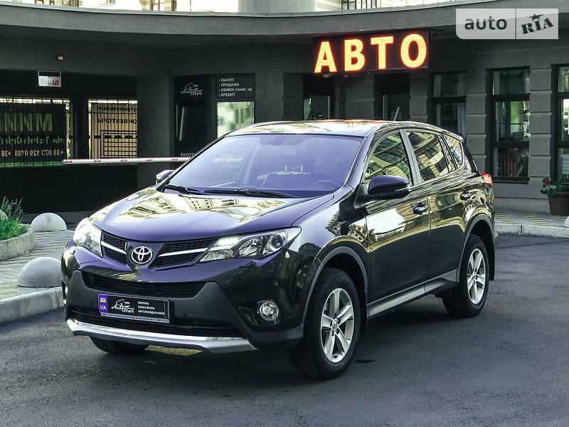 Toyota RAV4 2014 року