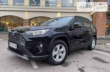 Внедорожник / Кроссовер Toyota RAV4 2019 в Одессе