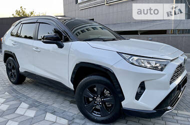 Внедорожник / Кроссовер Toyota RAV4 2019 в Киеве