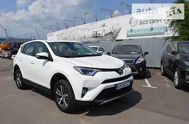 Внедорожник / Кроссовер Toyota RAV4 2018 в Киеве