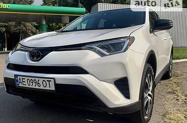 Внедорожник / Кроссовер Toyota RAV4 2018 в Днепре