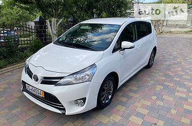 Минивэн Toyota Verso 2013 в Ровно