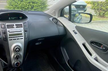 Купе Toyota Yaris 2008 в Виноградові