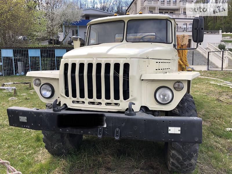 Урал 5557 1990 в Тернополе