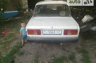 Седан ВАЗ 2105 1989 в Черновцах