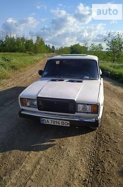 Седан ВАЗ 2107 1983 в Верхнем Рогачике
