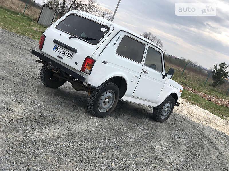 Внедорожник / Кроссовер ВАЗ 21213 2002 в Львове