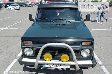 Позашляховик / Кросовер ВАЗ 21213 2002 в Рівному