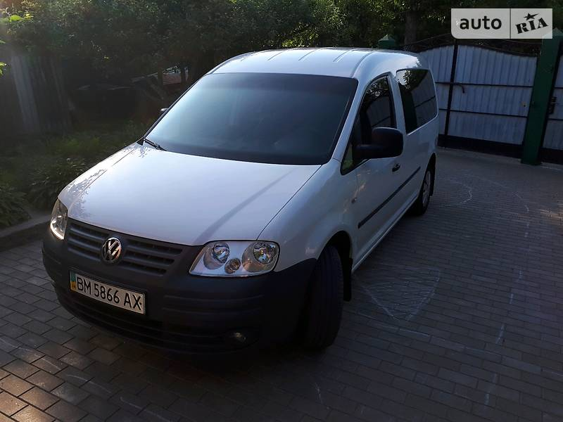 Volkswagen Caddy пасс. 2010 года в Сумах