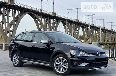 Универсал Volkswagen Golf Alltrack 2016 в Днепре