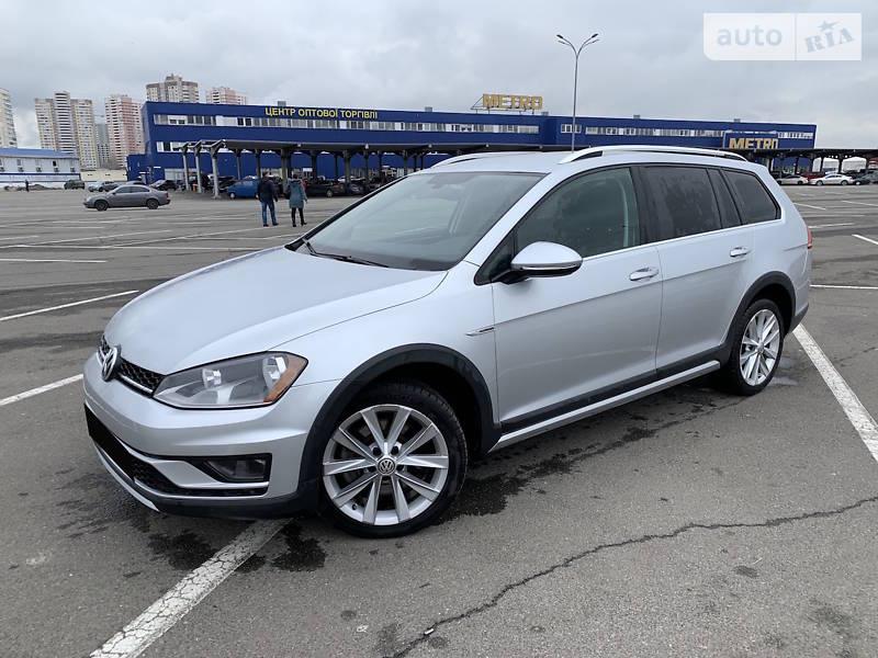Унiверсал Volkswagen Golf Alltrack 2017 в Києві