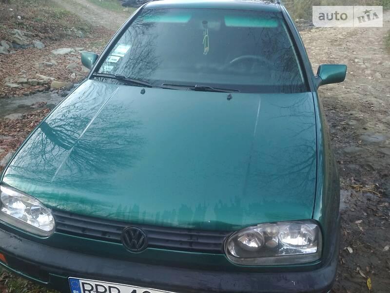 Volkswagen Golf III 1997 в Надворной