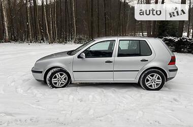 Volkswagen Golf IV 2001 в