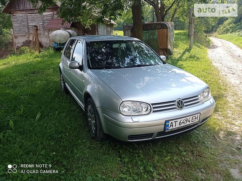 Хэтчбек Volkswagen Golf IV 2000 в Косове