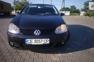 Хетчбек Volkswagen Golf V 2004 в Чернівцях