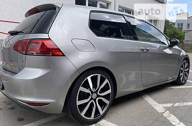 Купе Volkswagen Golf VII 2015 в Черновцах