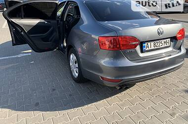 Седан Volkswagen Jetta 2013 в Киеве