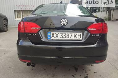 Седан Volkswagen Jetta 2010 в Харкові
