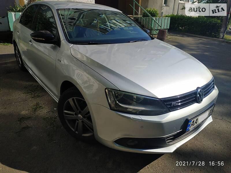 Седан Volkswagen Jetta 2012 в Києві