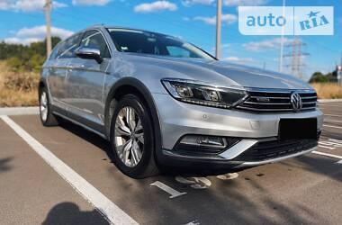 Универсал Volkswagen Passat Alltrack 2017 в Киеве