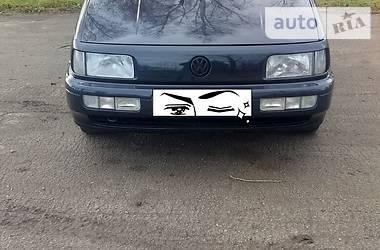Volkswagen Passat B3 1989 в Кельменцах