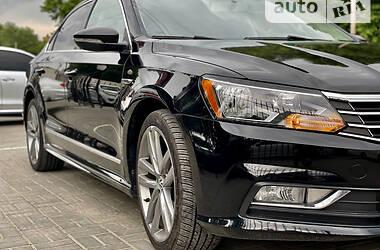 Седан Volkswagen Passat B7 2017 в Херсоне