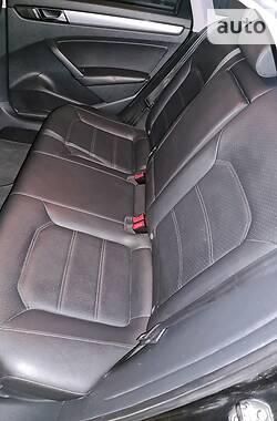 Седан Volkswagen Passat B7 2014 в Дніпрі