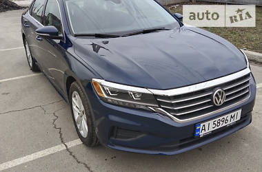 Седан Volkswagen Passat B7 2019 в Киеве