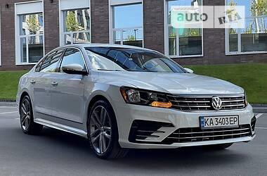 Седан Volkswagen Passat B7 2016 в Киеве