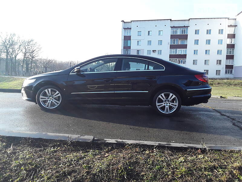 Volkswagen Passat CC 2010 в Хороле