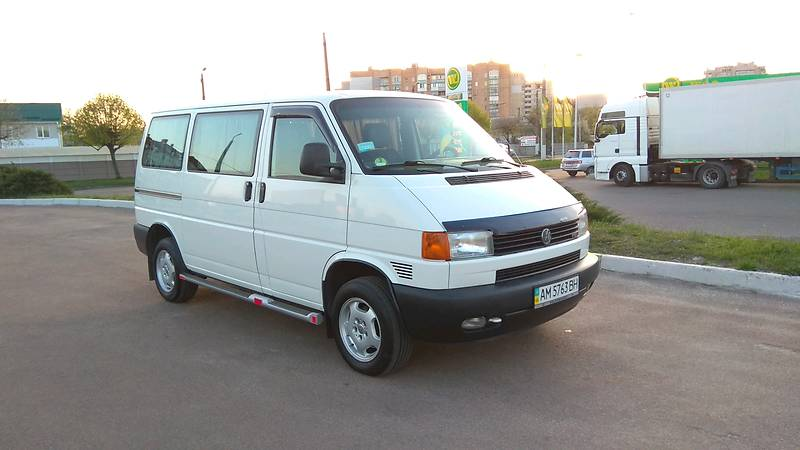 Volkswagen T4 (Transporter) пасс. 2001 года в Житомире