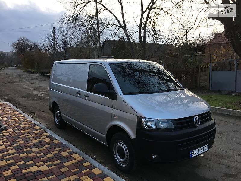 Volkswagen T5 (Transporter) груз 2015 в Долинской