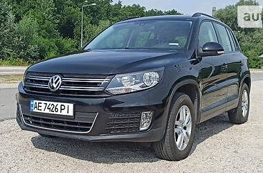 Внедорожник / Кроссовер Volkswagen Tiguan 2015 в Днепре