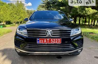 Внедорожник / Кроссовер Volkswagen Touareg 2015 в Ровно