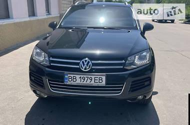 Позашляховик / Кросовер Volkswagen Touareg 2013 в Сєверодонецьку