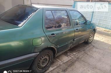 Volkswagen Vento 1995 в Ромнах