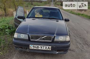 Хэтчбек Volvo 440 1989 в Курахово