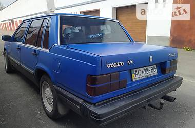 Седан Volvo 740 1985 в Луцке