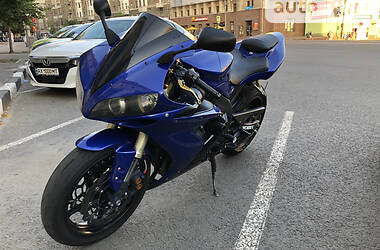 Спортбайк Yamaha R1 2006 в Харькове