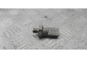 06E919081C - Б/у Датчик давления масла на AUDI Q7 (4L) 3.0 TFSI quattro 2013 г.