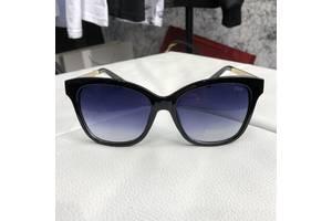 Нові Аксесуари для одягу Dior