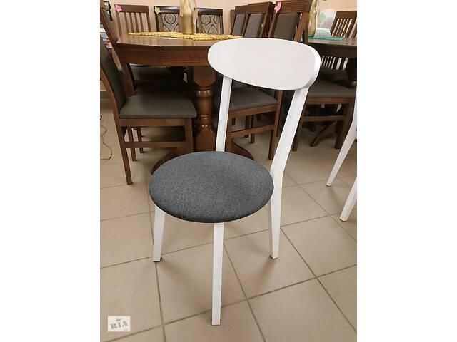 купить бу Дерев'яні букові стільці, на кухню, для кафе, для ресторану, в готель в Львове