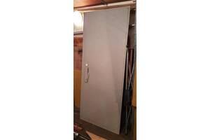Двери металлические (2& times; 2мм) с замками (2шт) с коробками (6мм)