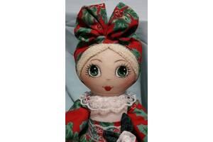 Лялька-грілка на чайник для заварювання ручної роботи в червоному сарафані