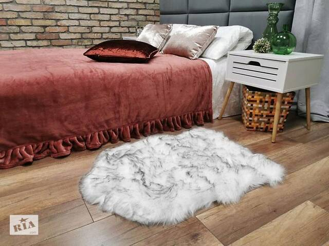 продам Килимок штучного хутра KONTRAST VOLPI TOURE в формі шкурки 60 * 85 см. бу в Львові