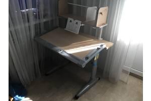 Парта регулируемая и ортопедический стул