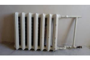 Радиатор(батарея) отопления(чугун,б/у,+крепление).