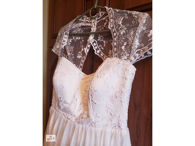 купить бу Продам красивое свадебное платье в Ахтырке