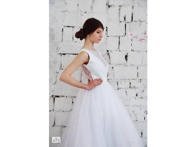 Свадебное платье б/у- объявление о продаже  в Малине