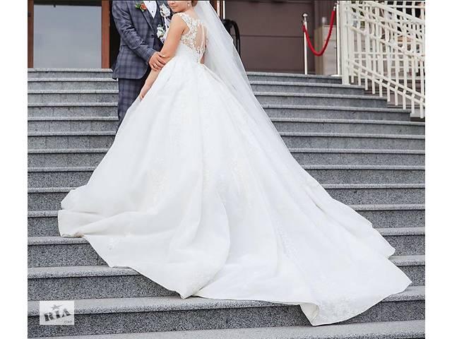 продам Свадебное платье бу в Черновцах